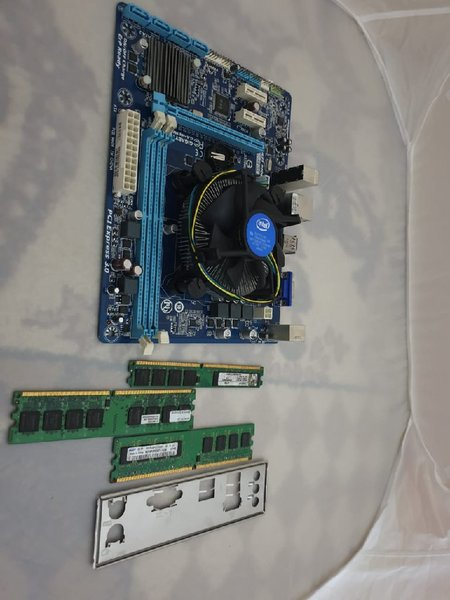 Used I5 Processor with Motherboard and 3 RAM in Dubai, UAE