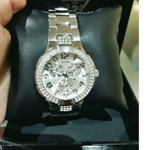 Used Authentic guess watch used once in Dubai, UAE