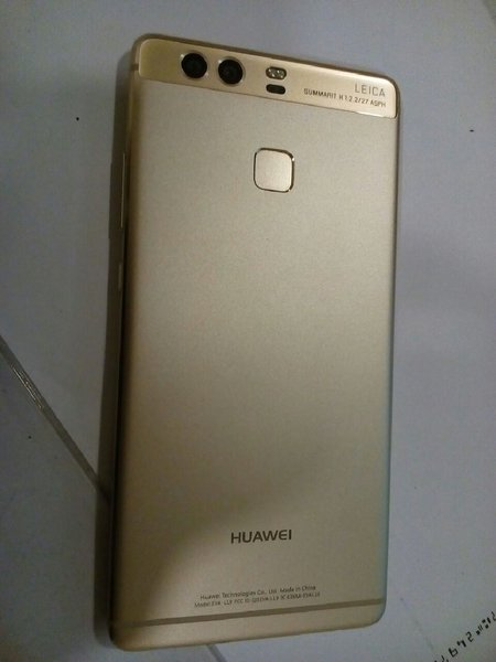 Huawei p9 , no complaints and scratches!