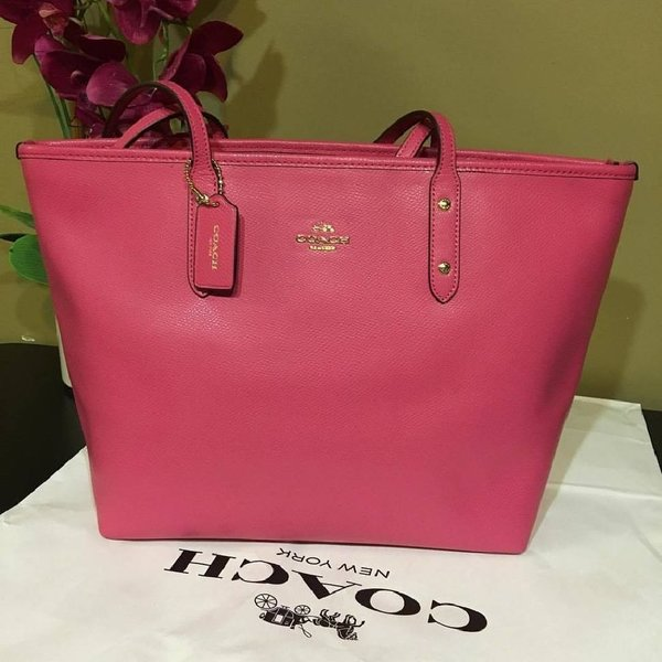 Used Coach city zip top tote bag in Dubai, UAE