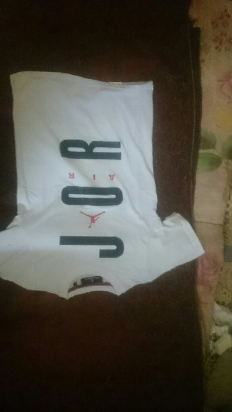 Used Jordan shirt copy in Dubai, UAE