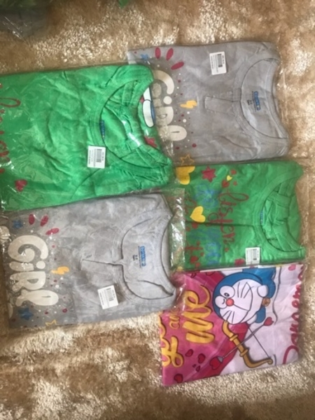 Used 5pieces T shirt for kids in Dubai, UAE