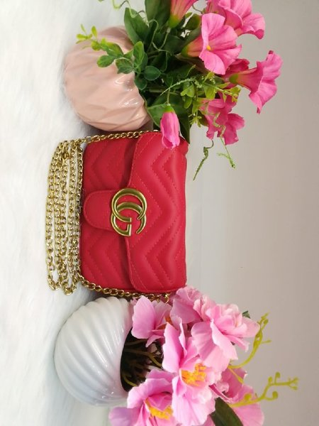 Used Gucci red sling bag in Dubai, UAE