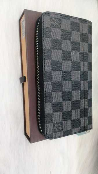 Used New lv  wallet for ladies class A plus in Dubai, UAE