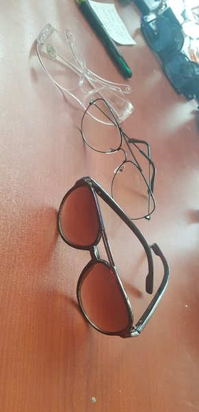 Used 3 g .Protection  and style-glasses in Dubai, UAE