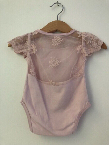 Used BRAND NEW 100% cotton baby girl outfit in Dubai, UAE