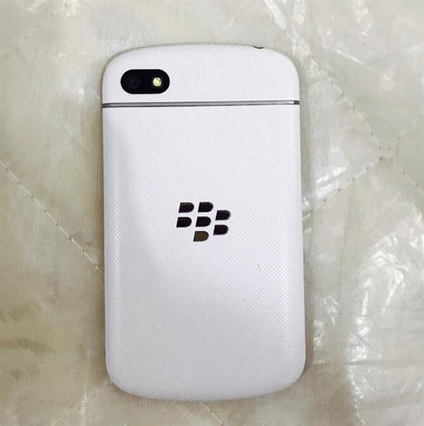 Used Q10 Light Used Good Condition.. in Dubai, UAE