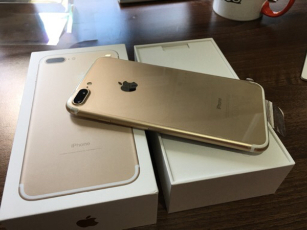 Used Iphone 7 plus 128gb Gold in Dubai, UAE
