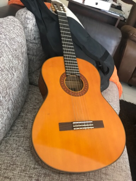 Used Yamaha Acoustic Guitar in Dubai, UAE