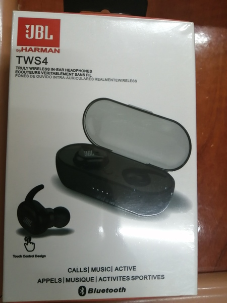 Used ,.,. Jbl wireless earphone in Dubai, UAE