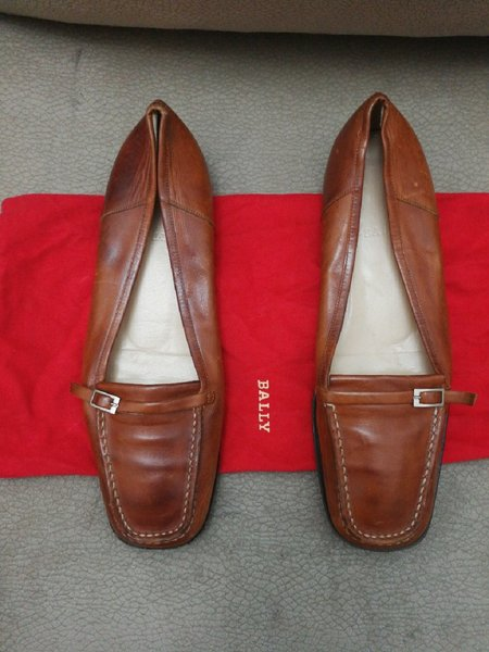 Used BALLY LEATHER FLAT SHOES.. SIZE40.. in Dubai, UAE