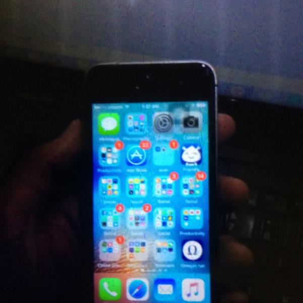 Used Iphone 5s 32 Gb Silver condition properly clear clean sat  in Dubai, UAE