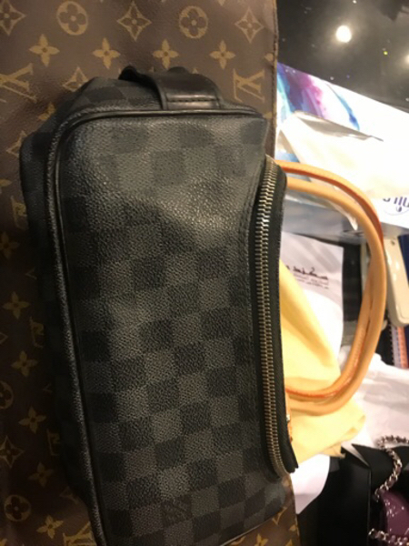 Original Louis Vuitton Pouch