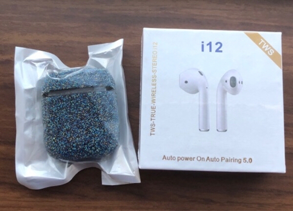 Used Earpods with Bling case & Cleaning buds in Dubai, UAE