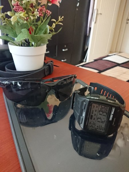 Used Bundle Watch, UV Sunglasses ❤️ in Dubai, UAE