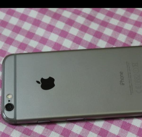 Used Iphone 6 16gb With Clearcoat. No Scratches. No Defects. With Box And All Orginal Accessories.  in Dubai, UAE