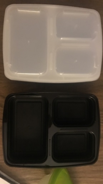 Used Food containers and cupcake holders in Dubai, UAE