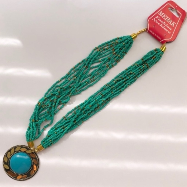 Used Necklace Ladies Green💯👌 in Dubai, UAE