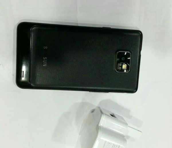 Used Samsung galaxy S2 used mobile with charger. in Dubai, UAE