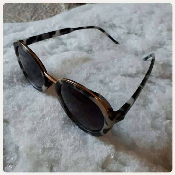 Used New sungglass fashion in Dubai, UAE