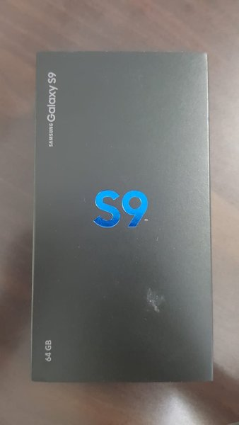 Used Samsung galaxy S9 brand new in Dubai, UAE
