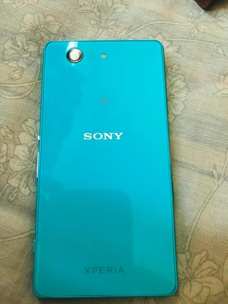 Used Sony xperia z4 with 4G and 20.7mp camera in Dubai, UAE