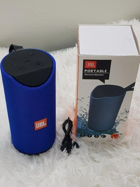 Used Blue speakers portable JBL ^.. in Dubai, UAE