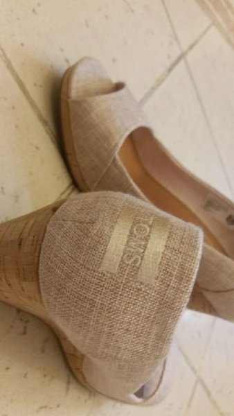 Used tomes shoes size40 in Dubai, UAE