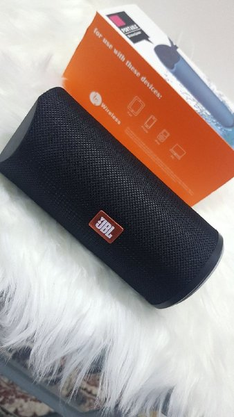 Used Higher sound JBL black speaker in Dubai, UAE