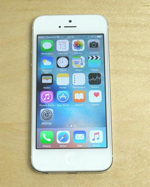 Used Iphone 5 , 16GB , No Scratches, With Box & Charger, No Headset, Free Original Samsung Bluetooth in Dubai, UAE