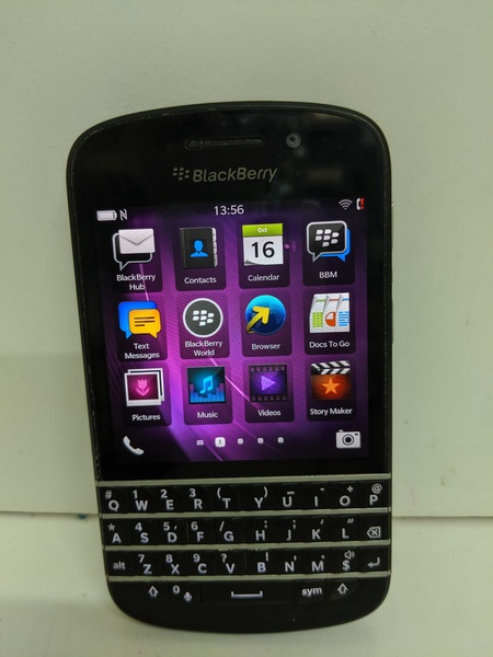 Used Blackberry Q10  16 gb in Dubai, UAE
