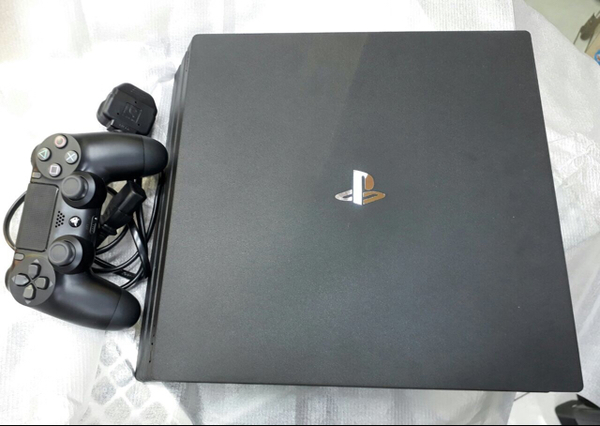 Used Ps4 Pro in Dubai, UAE