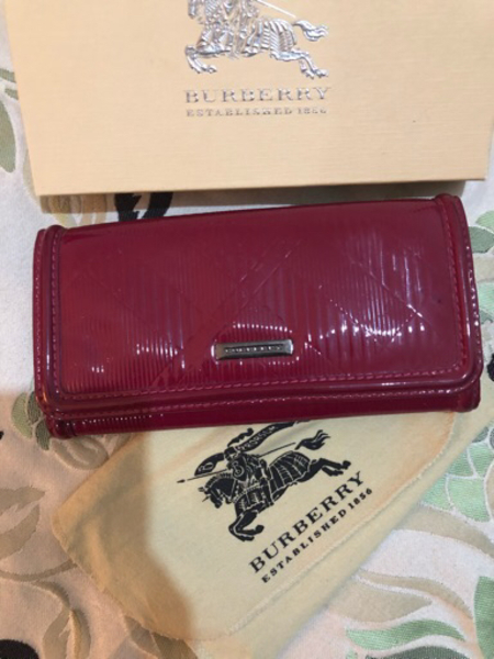 Burberry wallet in excellent condition