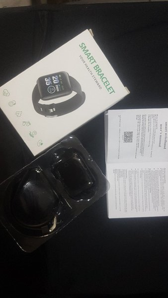 Used Yoga mat+Smart fitness watch Track urslf in Dubai, UAE