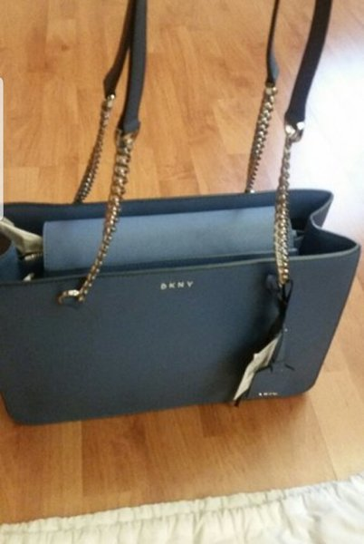 Used DKNY Blue bag new💎💎TODAY ONLY💎💎 in Dubai, UAE