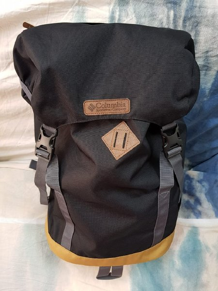 Used Original Columbia Bag in Dubai, UAE