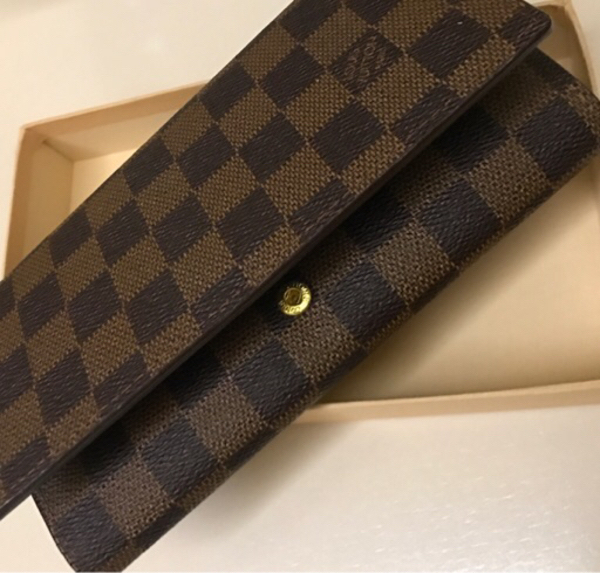 Used Nice wallet for Ladies - LV brand  in Dubai, UAE