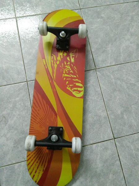 Used Skateboards 2 pcs in Dubai, UAE