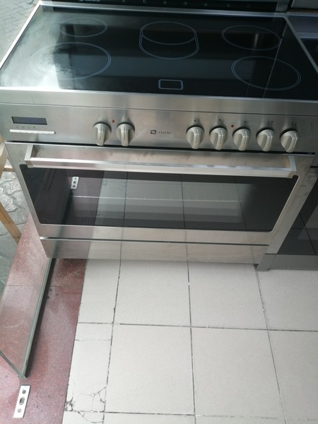 Used I'm selling maytag electric Ceramic in Dubai, UAE