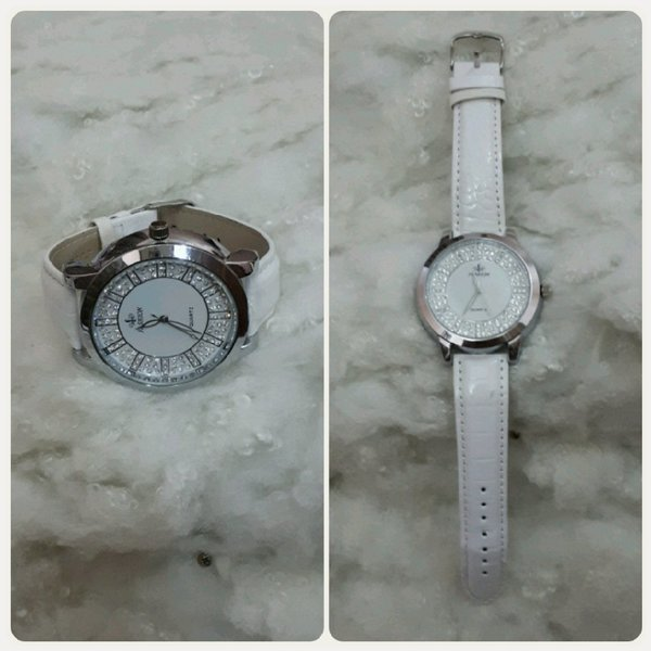 Used Watch white color NEW in Dubai, UAE