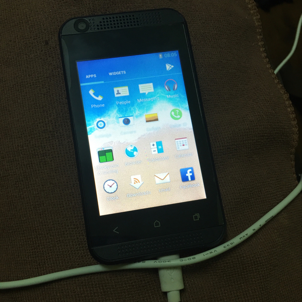 Used Android Os V5.0(Lollipop ) IPs LCD Touchscreen Dual Sim 2G/521MB/Dual-Camera(front/Back) Have Wifi-GPRS-Bluetooth -USB /MicroSD Upto16GB in Dubai, UAE
