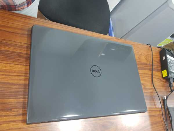 Used Dell new laptop i5 8th gen 2gb graphic in Dubai, UAE