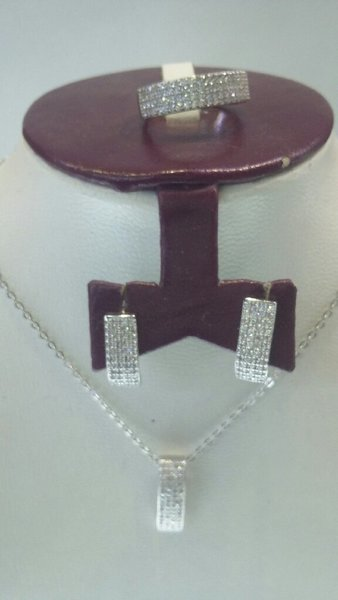 Used Silver 925 pendent set in Dubai, UAE