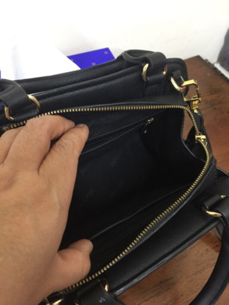 Used Nose and Natulalizer preloved sling bags in Dubai, UAE