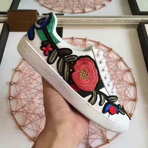Used Brand New Gucci Ace Sneakers Authentic Overruns  in Dubai, UAE