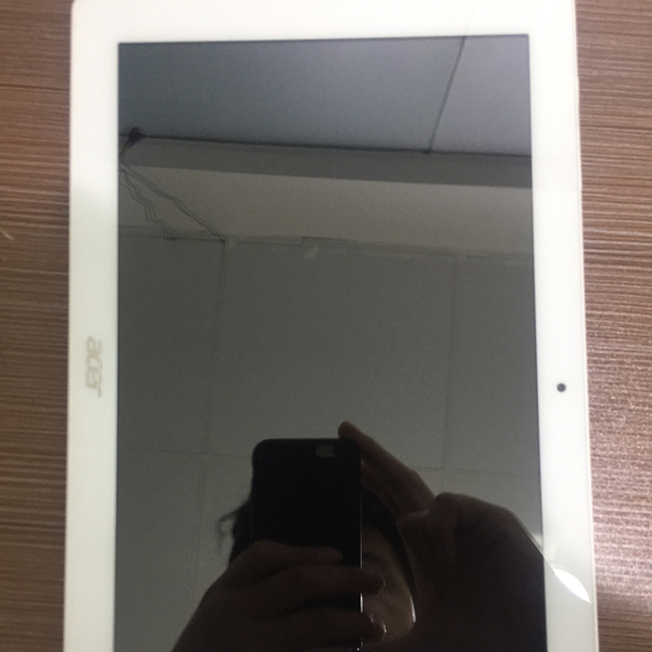 Used acer tablet. 10.1 inch . 16gb . two camera  in Dubai, UAE