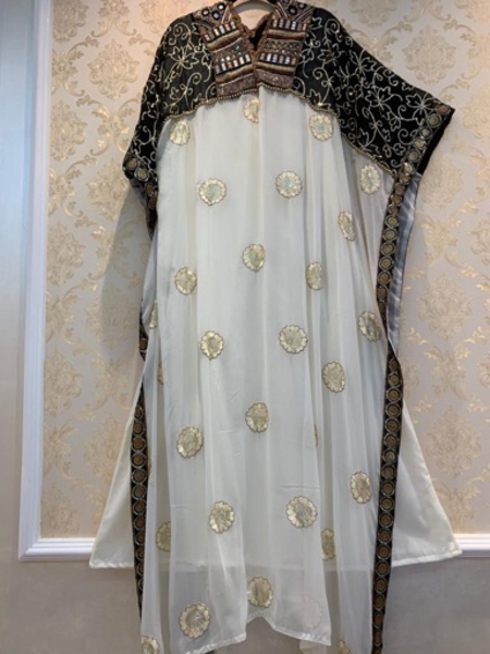 Used White beautiful dress for occasions in Dubai, UAE