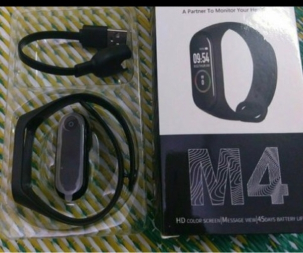 Used M4 Smartband new in Dubai, UAE