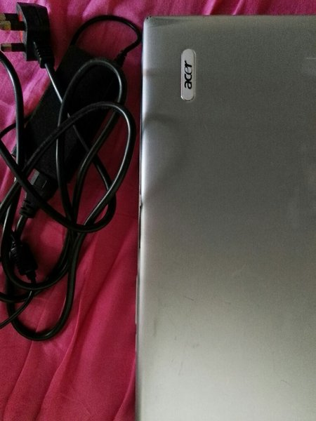 Used Acer Aspire 5000 / includes charger in Dubai, UAE
