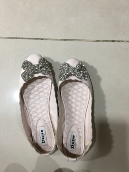 Used 5 pcs flate Shoes  preloved  in Dubai, UAE